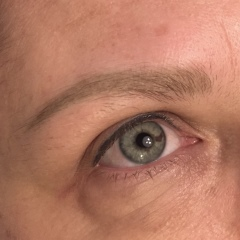 View examples of permanent make up : Touch-ups
